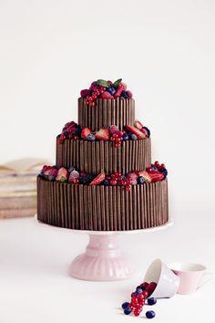 Für den schönsten Tag im Leben darf es nur die schönste Hochzeitstorte sein. Natürlich von Nicola Fürle aus Salzburg! Cake Pops, Grown Up Parties, Cupcakes, Festa Party, Wedding Cakes, Mint, Salzburg, Fruit, Desserts