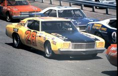 Nascar Race Cars, Old Race Cars, Chevrolet Monte Carlo, Vintage Race Car, Road Racing, Car Pictures, Cool Cars, Old School, Chevy