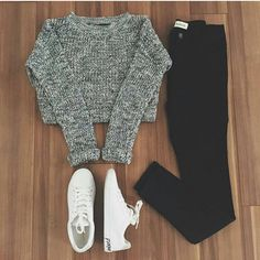 36 Inspiring Warm School Outfit Ideas - While the back to school season might be the keep going thing at the forefront of your thoughts since summer has quite recently begun, it's never too . Komplette Outfits, Teen Fashion Outfits, Outfits For Teens, Trendy Outfits, Casual Teen Outfits, Trendy Hair, Ootd Fashion, Fall Fashion, Womens Fashion