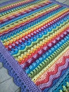 Tooty Stripey Blanket is a beautiful combination of stitches, colors and amazing talent of the author of a crochet pattern. As a result, we have a baby blanket, which we can easily enlarge to the normal size of an adult blanket. Motifs Afghans, Afghan Patterns, Crochet Blanket Patterns, Baby Blanket Crochet, Baby Patterns, Crochet Stitches, Knitting Patterns, Crochet Blankets, Crochet Afghans