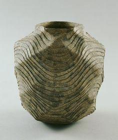 KAMODA Shoji Jar with the Pattern of Waves, 1970. Stoneware.