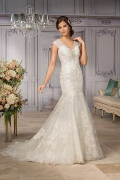 💟$330.99 from http://www.www.queenose.com 💕💕Jasmine Couture Style T182002💕💕https://www.queenose.com/jasmine-couture/1669-jasmine-couture-style-t182002.html   #weddingdress #wedding #jasmine #couture #mywedding #bridalgown #bridal #style