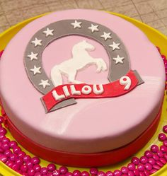 Girly Horse Birthday Cake – Art Of Equitation Horse Birthday, Birthday Cake, Cole And Son Wallpaper, Nutella Cake, Birthday Parties, Birthdays, Sugar, Horses, Chocolate
