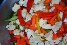 Délinquances et saveurs: Giardiniera de Lou Crudite, Nutrition, Saveur, Charcuterie, Caprese Salad, Vinaigrette, Food And Drink, Chicken, Buffets