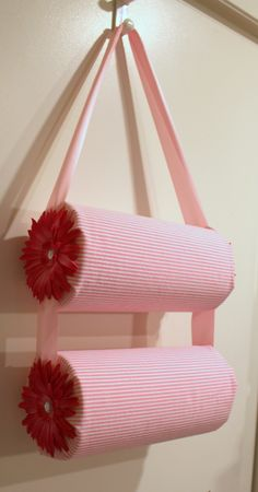 DIY headband holder. Headbands are my favorite hair accessory so I have a ton. This would be ultra helpful to have and put them all on display! I would do this in different colors, though. :) pink isn't really my style.
