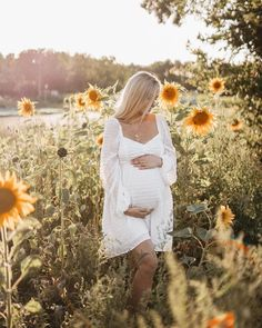 """. . Simone ❥ on Instagram: """"soaking up the sun with my girl 🌻 4 more weeks to go 🤍 #augustbaby #babybelly #momtobe #ssw36"""""""