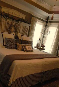 me gustan las camas decoradas asi ......con muchos cojines¡¡