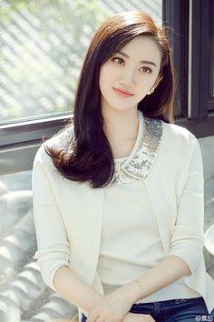 Beautiful Girl Body, Beautiful Asian Women, Jing Tian, Simple Face, China Girl, Chinese Actress, Indian Beauty, Girl Pictures, Asian Woman