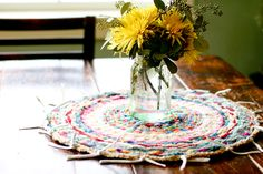 flax & twine | craft + diy: Woven Finger-Knitting Hula-Hoop Rug DIY - Oh, I am SO doing this with DD in the holidays!