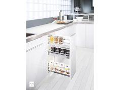 Porzadek i dobra organizacja to podstawa funkcjonalnej kuchni. System SLIM pozwala wysunąć zawartość szafki na zewnątrz, co zapewnia łatwy dostęp do przechowywanych produktów. Może być zastosowany w m ...