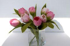 Deko-Objekte - Tulpe gefilzt mit Blatt in rosa  - ein Designerstück von Mafiz bei DaWanda