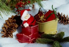 Vintage Pottery Truck dressed up for Christmas! ~ Mary Walds Place