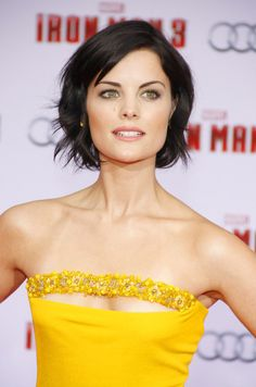 Jaimie Alexanders raven tresses looked simply stunning when styled into a messy, wavy crop.