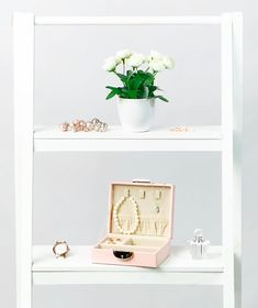 Pink Travel Jewellery Box | Secure and protect your jewellery in this custom made and stylish jewellery box.   It is perfect for overnight and weekend travels, wedding and bridesmaid gift, business events and more.   Available in Pink (displayed), Black, Mauve and Blue.