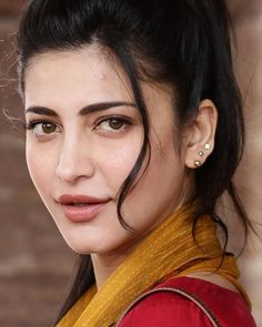 Sweet facing Shruti Hasan