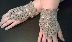 "Ravelry: ""My Lady"" Lace Cuffs pattern by Torr"