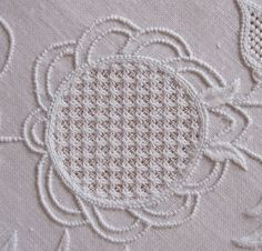 Schwalm Scallops ~ one of five ways to embroider a scalloped shape ~ in this instance using coral knots for outlines ~ by Luzine Happel