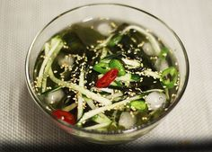 Seaweed cucumber cold soup