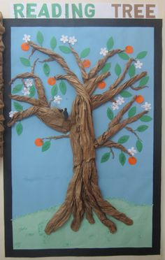 Using a Reading Tree to Encourage Reading - every child gets a branch with fruit or blossoms to represent books read. What a beautiful classroom tree! Classroom Tree, Classroom Displays, Classroom Organization, Classroom Decor, Library Displays, Primary Classroom, Window Displays, Bulletin Board Tree, Classroom Bulletin Boards