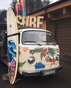 Volkswagon Van :: VDUB :: VW bus :: Volkswagen Camper :: The perfect vintage travel companion for the beach, surf, camping + summer road trips :: travel style & inspiration Volkswagen Bus, Vw T1, Volkswagen Beetles, Kombi Camper, Vw Beach, Beach Bum, Beach Trip, Beach Aesthetic, Summer Aesthetic