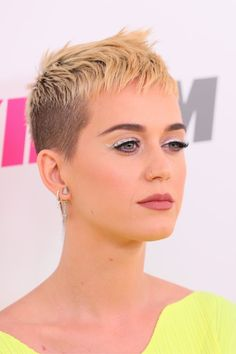 "Katy Perry on Why She Cut Her Hair: ""I Don't Even Want to Look Like Katy Perry Anymore"" June 2017 by Kelsey Garcia First Published: June 2017 Short Sassy Haircuts, Short Hair Cuts, Short Hair Styles, Short Pixie, Buzz Cut Hairstyles, Trendy Hairstyles, Toddler Hairstyles, Her Cut, Cut Her Hair"