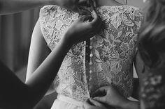 CHRISTIE NEIL 'Sienna' Gown by #karenwillisholmes || Photo: Willow & Co