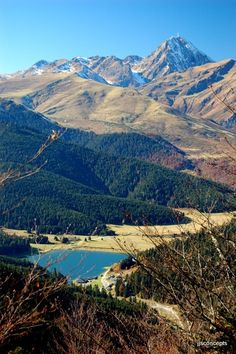 www.lapyreneenne.a3w.fr Trekking, Southern France, Basque Country, Aragon, Pyrenees, Mount Rainier, Cool Pictures, Road Trip, Hiking