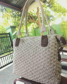 FamouS Crochet - Fotos y videos de Instagram Bag Crochet, Straw Bag, Burlap, Instagram, Reusable Tote Bags, Photo And Video, Photos, Patterns, Pictures