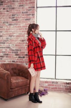 Japanese-style lantern sleeve plaid woolen coat