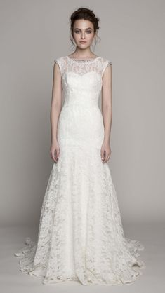 10 Breathtaking Lace Wedding Gowns From Spring 2014 Collections | Weddingomania