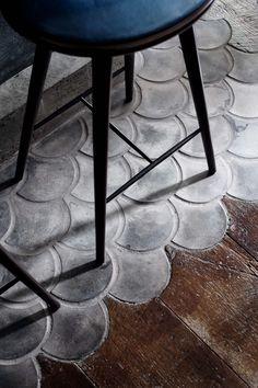Extensive range of parquet flooring in Edinburgh, Glasgow, London. Parquet flooring delivery within the mainland UK and Worldwide. Fish Scale Tile, Decoracion Vintage Chic, Vintage Decor, Vintage Style, Beton Design, Concrete Design, Pattern Concrete, Interior And Exterior, Interior Design
