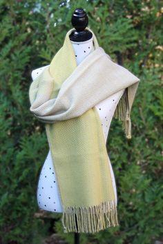 Pashmina Esencia Oro hecha a mano. 100% BABY ALPACA. Medidas aprox. 200x45cm MODELO: S1021
