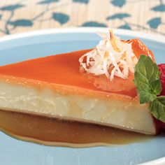 Flan de Coco Coconut Flan, Coconut Recipes, Toasted Coconut, Cuban Recipes, Puerto Rican Recipes, Pie Recipes, Custard Desserts, Just Desserts, Flan Recipe