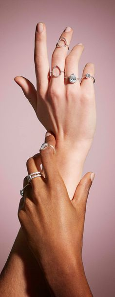 Express yourself with timeless stacking rings in sterling silver and PANDORA Rose. Freestyle your way to unique combinations by mixing metallics, shapes and styles that ring true to you.