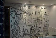 DIAL TOUR | AGÊNCIA DE VIAGENS Projeto realizado para a Agência de Viagens Dial Tour de Porto Alegre. Mapa mundi em MDF com laca branca e adesivos em recorte criando com nomes de países. Impresso em vinil jateado, com desenhos exclusivos de Leandro Selister. Monumentos típicos de diversos destinos turísticos, cobrem toda a parede da recepção da agência, criando um padrão diferenciado e totalmente afinado com o espaço. Em parceria com a arquiteta Cris Totti,