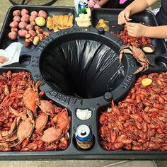Raise your hand 🤚 if you need a Seafood Table like this. Simply a genius 👌 🙏 For sharing this amazing 📷 @tailgatingchallenge ・・・ Seafood fans here is your table! #seafood #crawfish #crawfishboil #crabs #meatcurator #foodie #foodporn #forkyeah #foodgasm #nomnom #grill #grillporn #grilllife #grilling #fire #lownslow #bbqporn #paleo #atkins #churrasco #asado #wagyu #kobe #meatcoma #yum #nom #instagood #instafood #carne#foodbeast