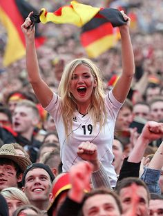 The Most Beautiful Sport Germany Football Team, Hot Football Fans, Football Girls, Girls Soccer, Soccer Fans, Football Cheerleaders, German Women, German Girls, Euro 2016 France