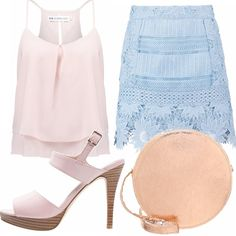 Minigonna azzurra ricamata a fiori, top rosa di Even&Odd, tacco con cinturino rosa e borsa a tracolla molto chic, rose gold, elegante e sportiva per passeggiare!