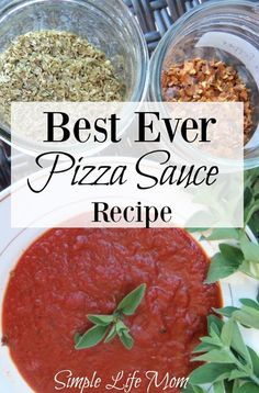 This homemade pizza sauce recipe is quick and easy to make. Despite coming together fast, this pizza sauce is very flavorful! The recipe makes enough sauce for 2 large pizzas. Homemade Pickles, Homemade Sauce, Homemade Pizza Recipe, Italian Dishes, Italian Recipes, Pasta, Canning Recipes, Vitamix Recipes, Pizza Recipes