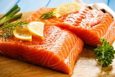 We've picked many of our favorite fish and seafood recipes that you can prepare in no time. Soups, salads, fried and keto plates, grilled or baked fish dishes — you choose! Healthy Foods To Eat, Healthy Fats, Healthy Dinner Recipes, Low Carb Recipes, Healthy Snacks, Keto Foods, Easy Healthy Breakfast, Diet Breakfast, Grapefruit Diet