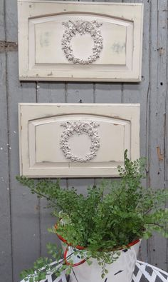 French Wreath Garden Panels This is another one of my projects using stray cabinet doors, the kind you might find in a salvage yard or perhaps on the curb in your neighborhood Diy Cabinet Doors, Most Beautiful Gardens, Backyard Projects, Diy Projects, Clay Ornaments, Home Decor Items, Wreaths, Crafty, Creative