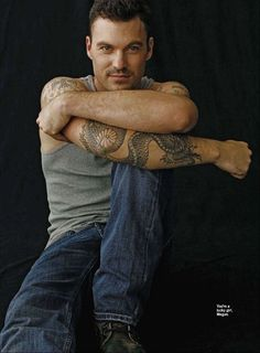 can't believe this is what little David Silver from 90210 grew up to look like!  Brian Austin Green HOT