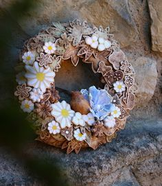 Procházka zahradou 129. Burlap Wreath, Floral Wreath, Wreaths, Decor, Tag Watches, Xmas, Dekoration, Flower Crown, Decoration