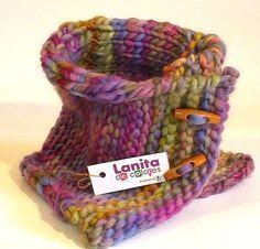 Cuello de lana tejido a palillos - Imagui Knit Cowl, Crochet Cardigan, Crochet Scarves, Crochet Yarn, Loom Knitting, Knitting Patterns, Quick Knitting Projects, Snood Pattern, Form Crochet
