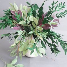 paper greenery - Christinepaperdesign (@christinepaperdesign) #paperflowers #greenery #handmade #centerpiece #paperleaves