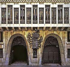 Palacio Güell / Album / Fachada del Palacio Güell