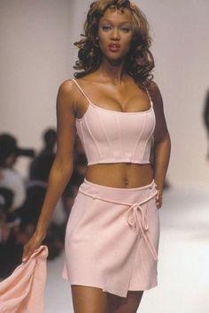 Fashion Male, Fashion Models, 90s Models, Runway Fashion, Fashion Show, Fashion Outfits, High Fashion Dresses, Women Models, Runway Models