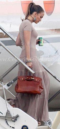 Jennifer Lopez arriving with her kids in London June 9, 2011