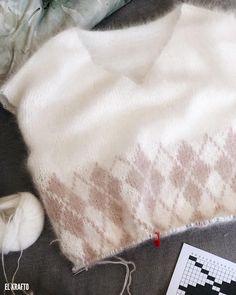 Почти готов😍 ⠀ И плевать, что весь дом в белом пухе😁 ⠀ Я сегодня лаконична, как никогда😉 ⠀ Sweaters, Fashion, Moda, Fashion Styles, Sweater, Fashion Illustrations, Sweatshirts, Pullover Sweaters, Pullover