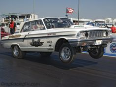 Drag racing photos and pictures of dragsters, muscle cars, import and sport compact vehicles. Nhra Drag Racing, Auto Racing, 1964 Ford, Old Race Cars, Ford Fairlane, Mustang Fastback, Vintage Race Car, Drag Cars, Car Photos